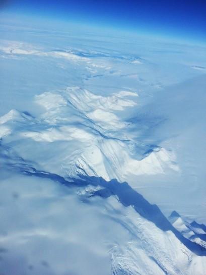 Mountains_plane