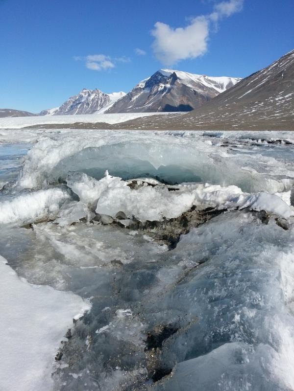 1_Fryxell_Lake